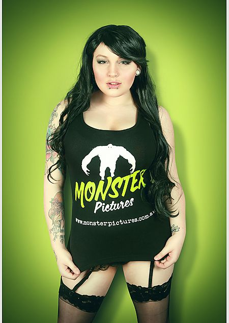 MonsterPicturesTee W v2.jpg