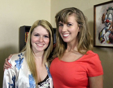Lovely actresses Lindsey Davis and Missy Dawn appear in The Crawling Dead.