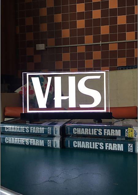 VHS-LAMP-2.jpg